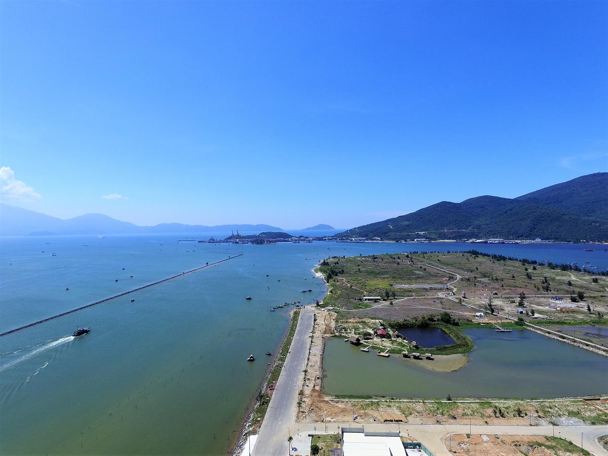 view can ho Da Nang golden bay
