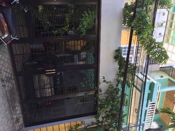 Cho thuê nhà đường Trần Khánh Dư, 106m<sup>2</sup>, ngang 5.3m, 3 tầng, 3 phòng ngủ sân vườn,, 12 triệu/tháng