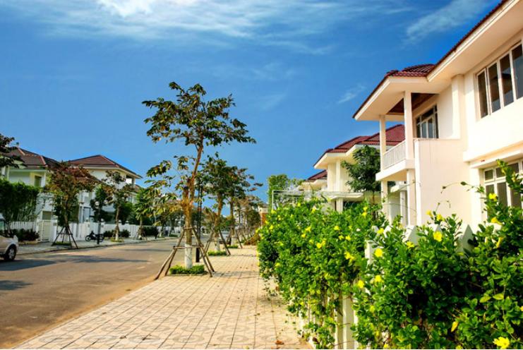 Cho thuê biệt thự đường Trần Hưng Đạo, 100m<sup>2</sup>, ngang 5m, 3 tầng, 3 phòng ngủ, sân vườn, 39 triệu/tháng
