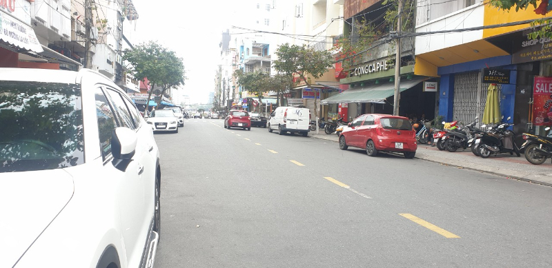 Cho thuê nhà đường Nguyễn Thái Học, 100m<sup>2</sup>, 4 tầng, 40 triệu/tháng