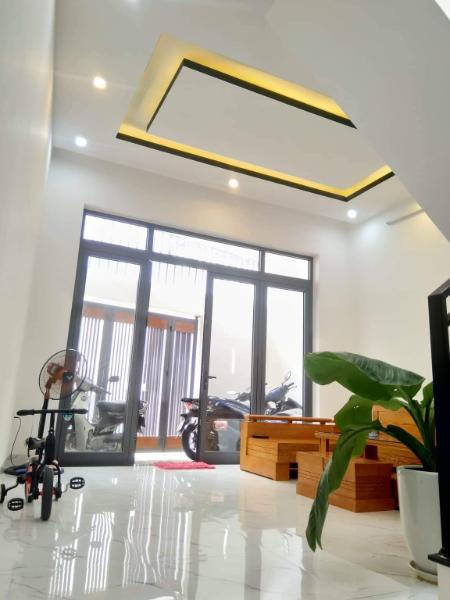 Cần bán nhà trong kiệt rộng 4m đường Hoàng Văn Thái, 60m<sup>2</sup>, 2 tầng, 3 phòng ngủ, 2.68 tỷ